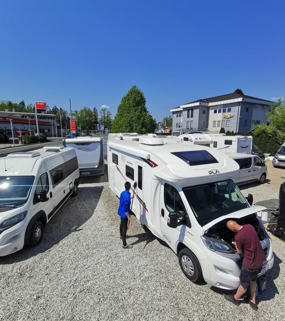 </span><em>Ekipa Kuće na kotačima priprema kampere kako bi bili besprijekorni kada dođe vrijeme za putovanja.</em>